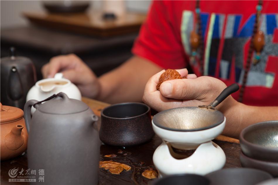 中国传统的技法是时间的积淀,是手艺的积淀,当不同材质相遇,不同的技法在碰撞中发酵、成熟,产生新技法,又创造出新的艺术形态,这是现代匠人所探寻的一种新状态。