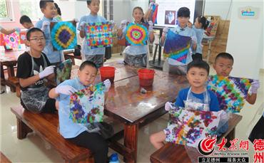 """妇女儿童活动中心""""我是艺术家""""美术体验教室学生作品展示。_副本.jpg"""