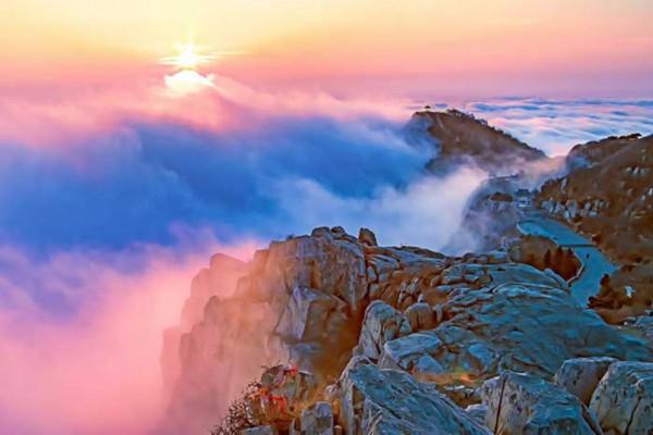 泰山云海和日落(曲业芝 摄)