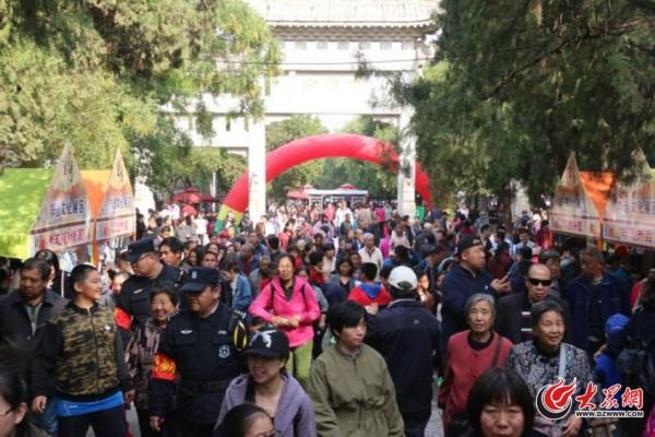 济南:5天12万游客!千佛山景区建议市民错峰赶山会